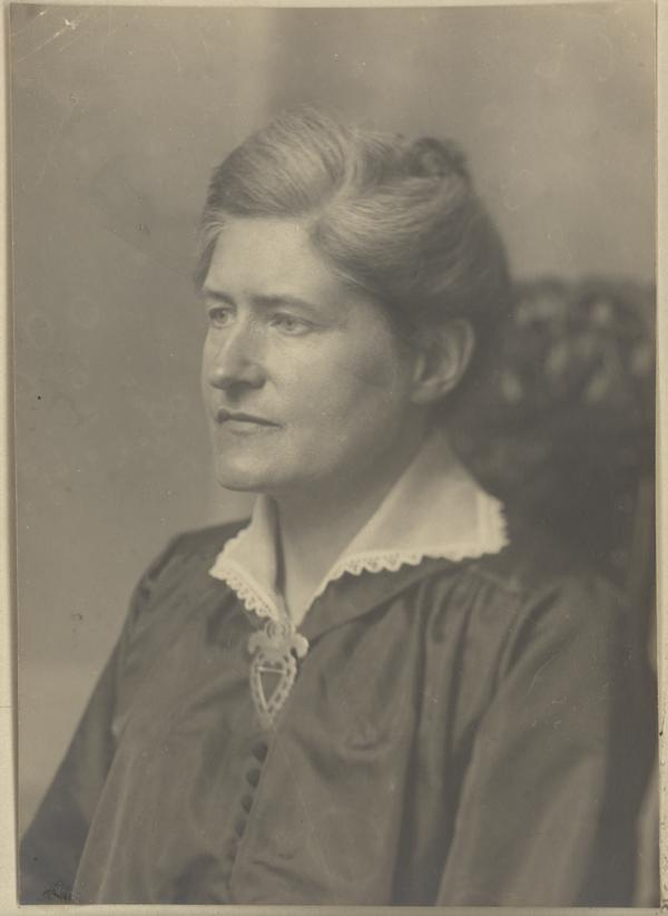 Lydia Wahlström, ca 1900 (Uppsala universitetsbibliotek)