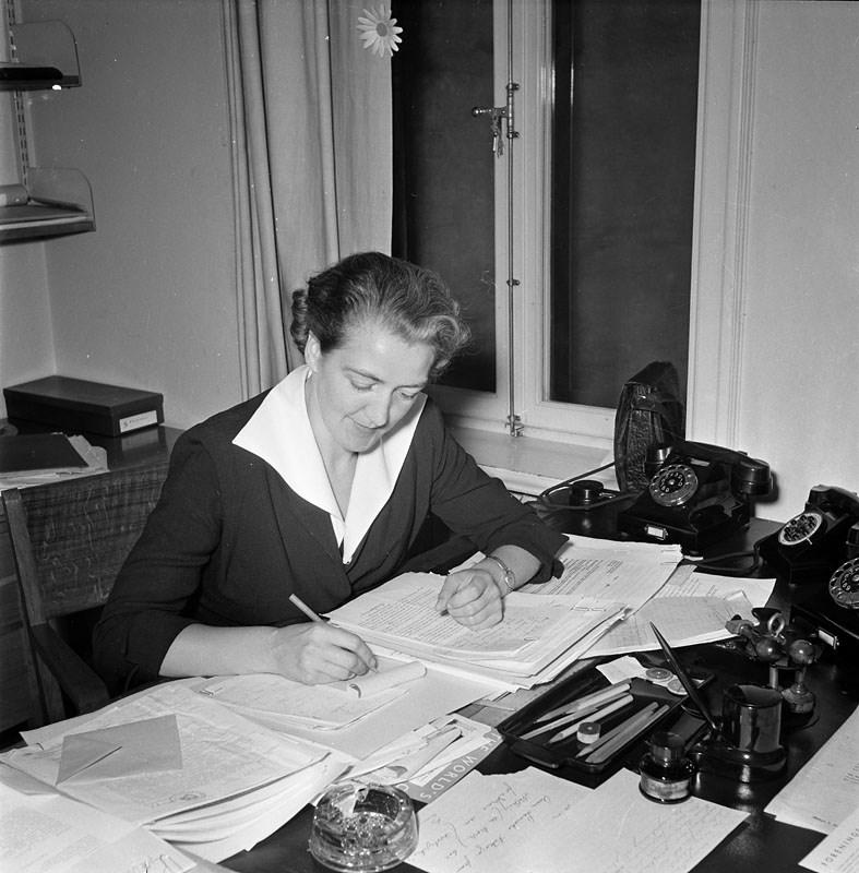 Agda Rössel.  Fotograf: Jan Ehnemark, Svenska Dagbladet,  skapad  22 augusti 1950, fotonummer SvD 25953 (Stockholmskällan)