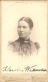 Karolina Widerström. Foto: Wolfenstein, Fredsgatan 13, Stockholm. Reproduktion: KvinnSam, Göteborgs universitetsbibliotek