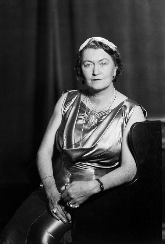 Porträtt av författarinnan Anna Lenah Elgström.  Fotograf: Jan de Meyere, (1879-1950),  skapad 1925 - 1941, fotonummer JdM 535 (Stockholmskällan)