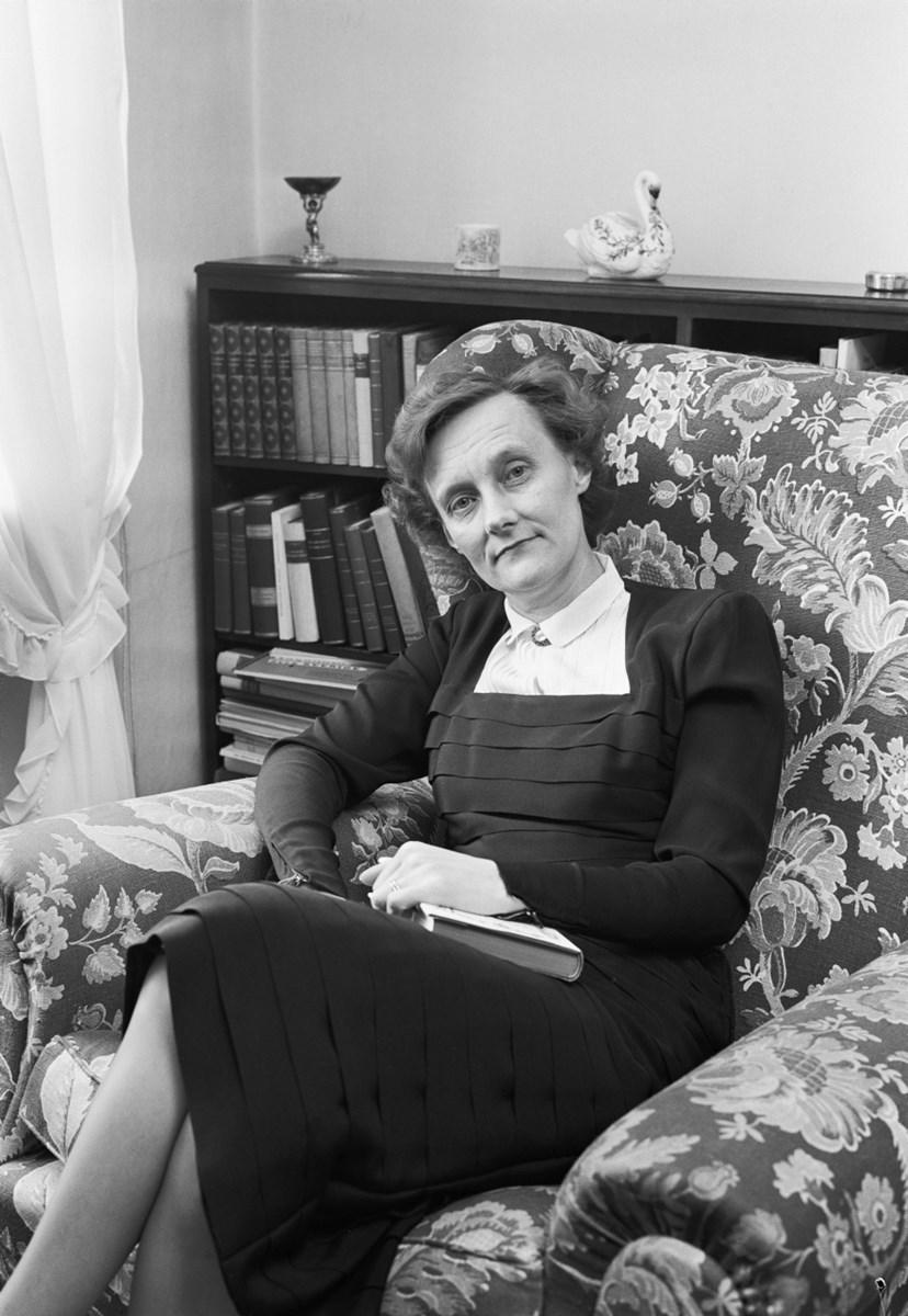 Astrid Lindgren. Fotograf: Tore Burnäs, Svenska Dagbladet. Skapad: 1953, fotonummer: SSMSvD021103 (Stockholmskällan)