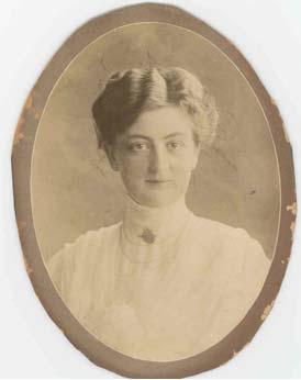 Louise Petrén-Overton
