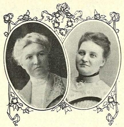 Amanda (t.v.) och Hulda Adler i Idun nr. 25, 1911. Fotograf okänd