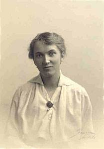 Rut Adler ca 1910. Photographer unknown. Source: Wikimedia