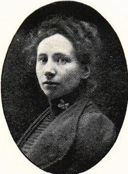 Gerda Ahlm in Hildebrand, Albin & John Kruse (red), Svenskt porträttgalleri XX, Stockholm, 1901. Photographer unknown