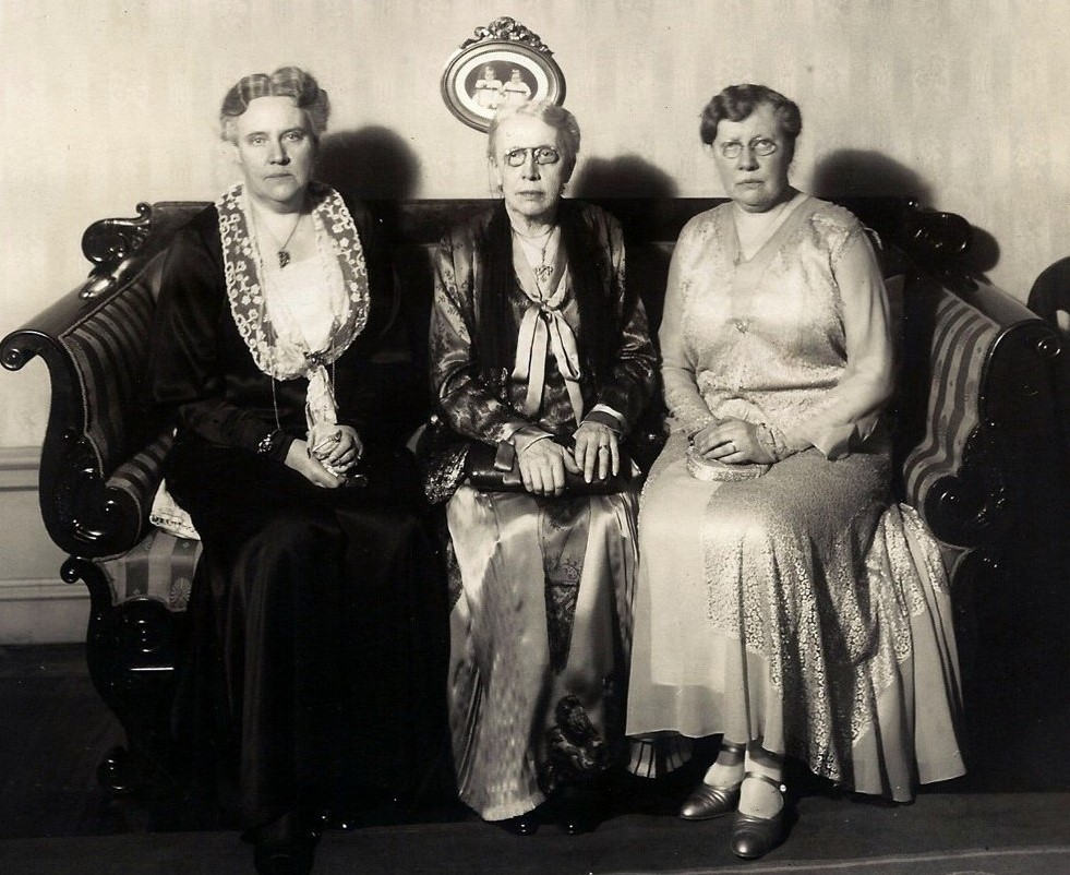 Gunhild Almén (right) with Hilma Sterky, née Almén (left) and Ina Almén. Photographer and year unknown (privately owned image)
