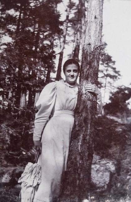 Gertrud Zachau, år okänt. Foto: Arthur Zachau (bild i privat ägo)