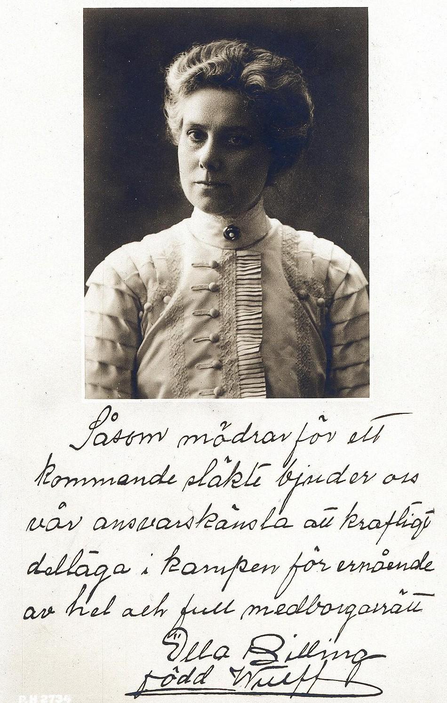 Ella Billing avbildad på rösträttsvykort. Fotograf och år okänt (KvinnSam, Göteborg universitetsbibliotek)