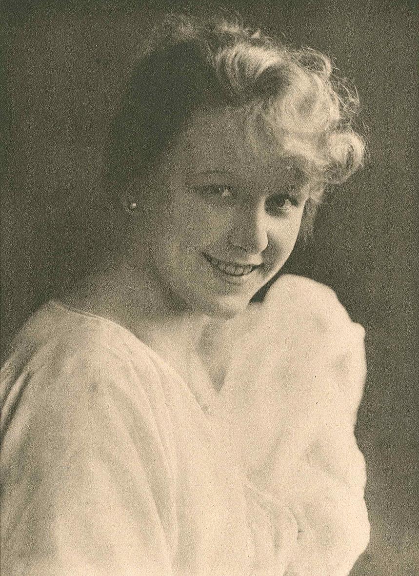 Renée Björling i tidskriften Filmen nr. 19, 1919. Fotograf okänd. Bildkälla: Wikimedia Commons