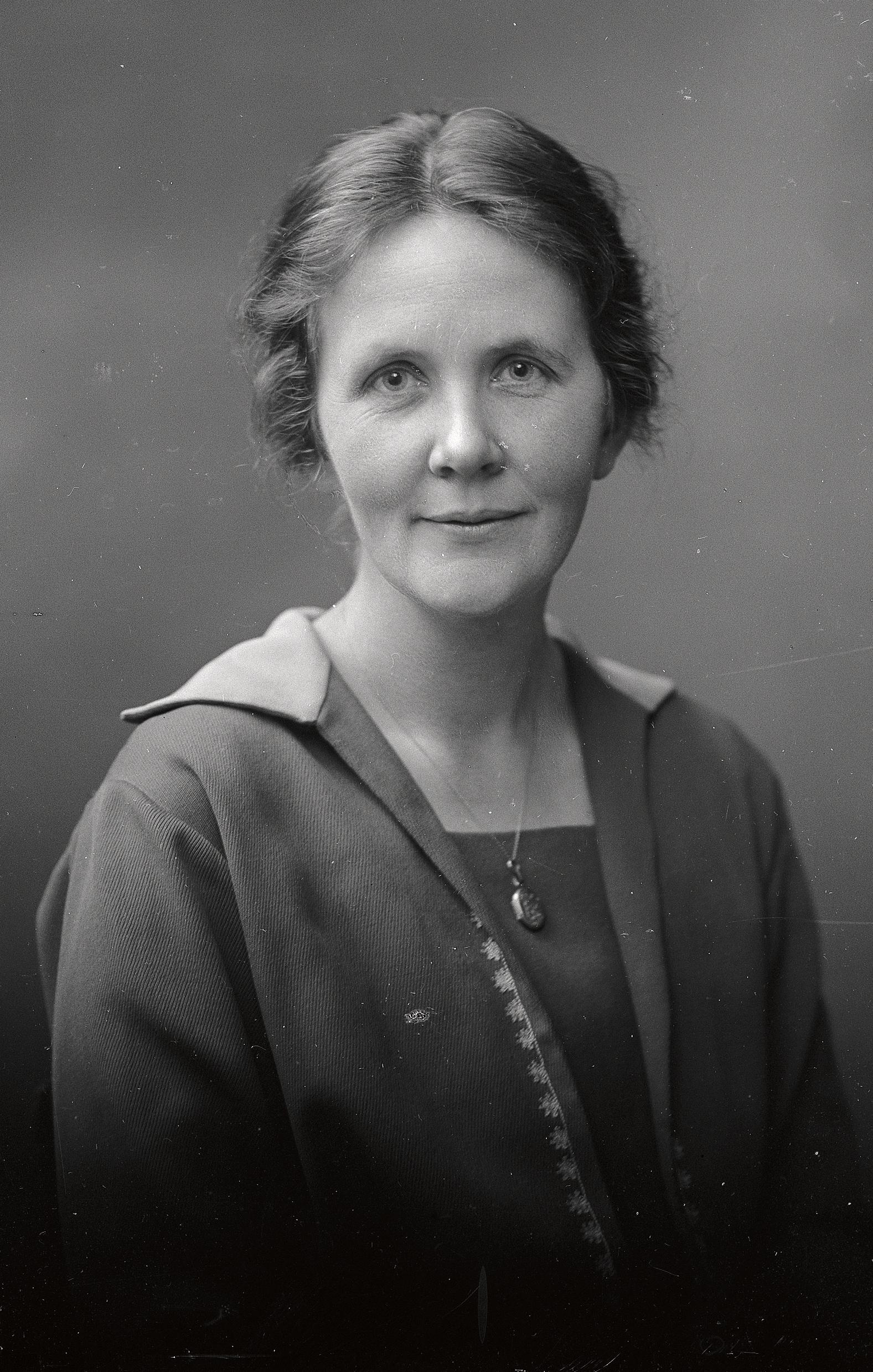 Ingeborg Bosson, 1923. Photographer: Per Bagge (1866-1936). Per Bagges bildsamling, Lund University Library