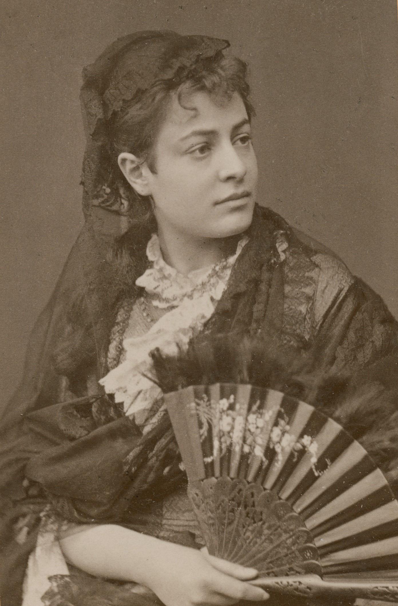 Ida Brander (at the time Ida Reis) in the title role in the play Främlingen, at Nya teatern 1878. Photo: Gösta Florman (1831-1900).  Musik- och teaterbiblioteket, Stockholm, H2 007
