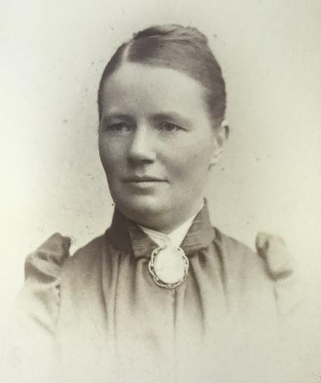 Eugenie Brummer, 1891. Fotograf okänd (Stockholms stadsarkiv, SE/SSA/0266A)