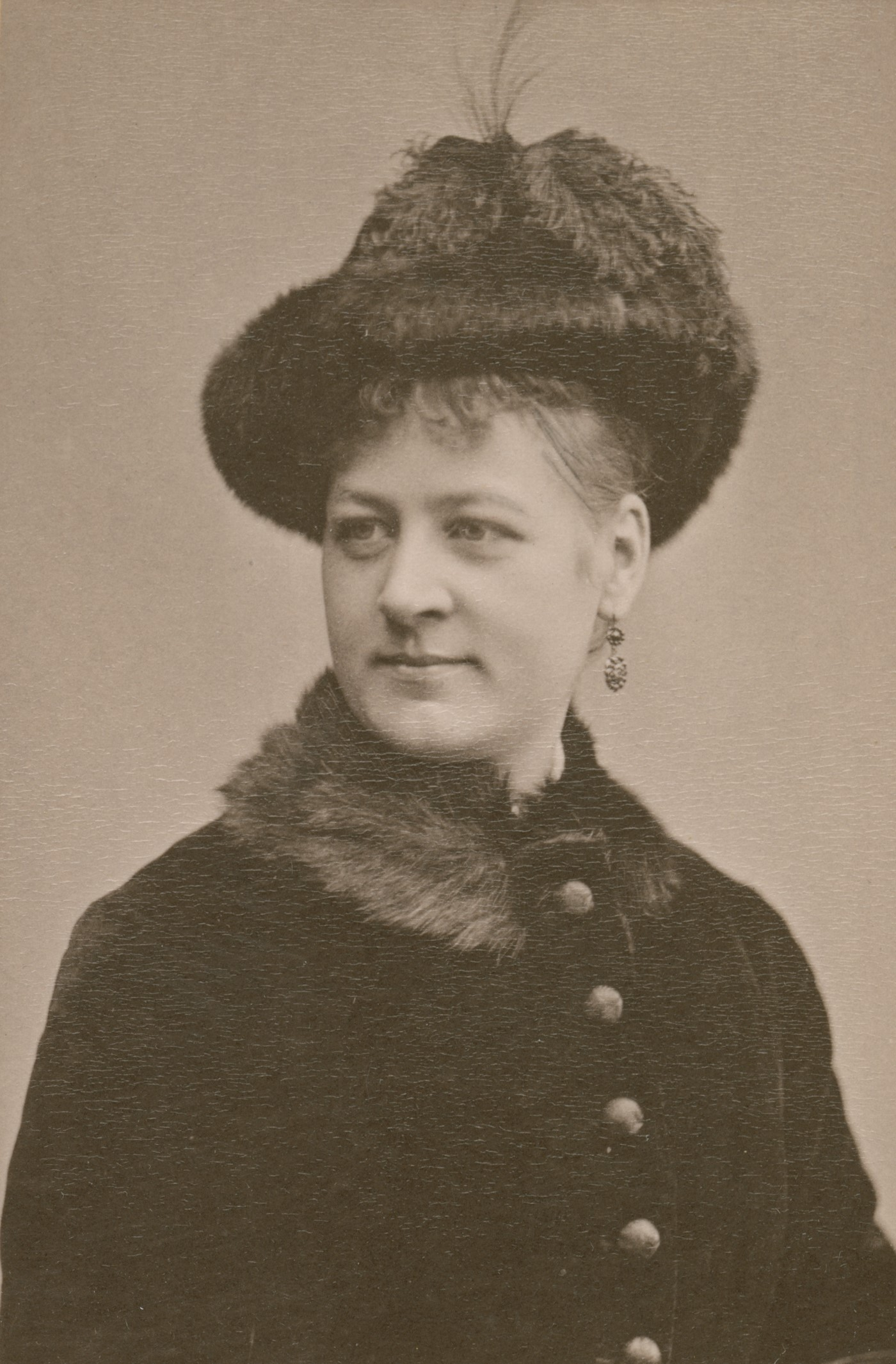 Hilma Bruno (at the time Hilma Schagerlund), 1880. Photo: Gösta Florman (1831-1900). Musik- och teaterbiblioteket, H2_035