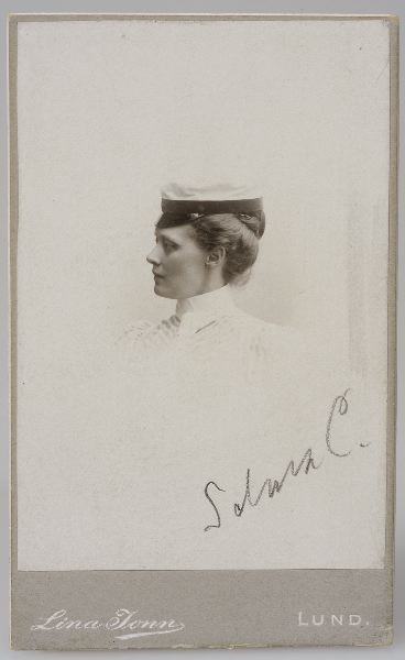 Selma Colliander as student, 1908. Photo: Lina Jonn (1861-1896). Kulturen i Lund (KM 86976)