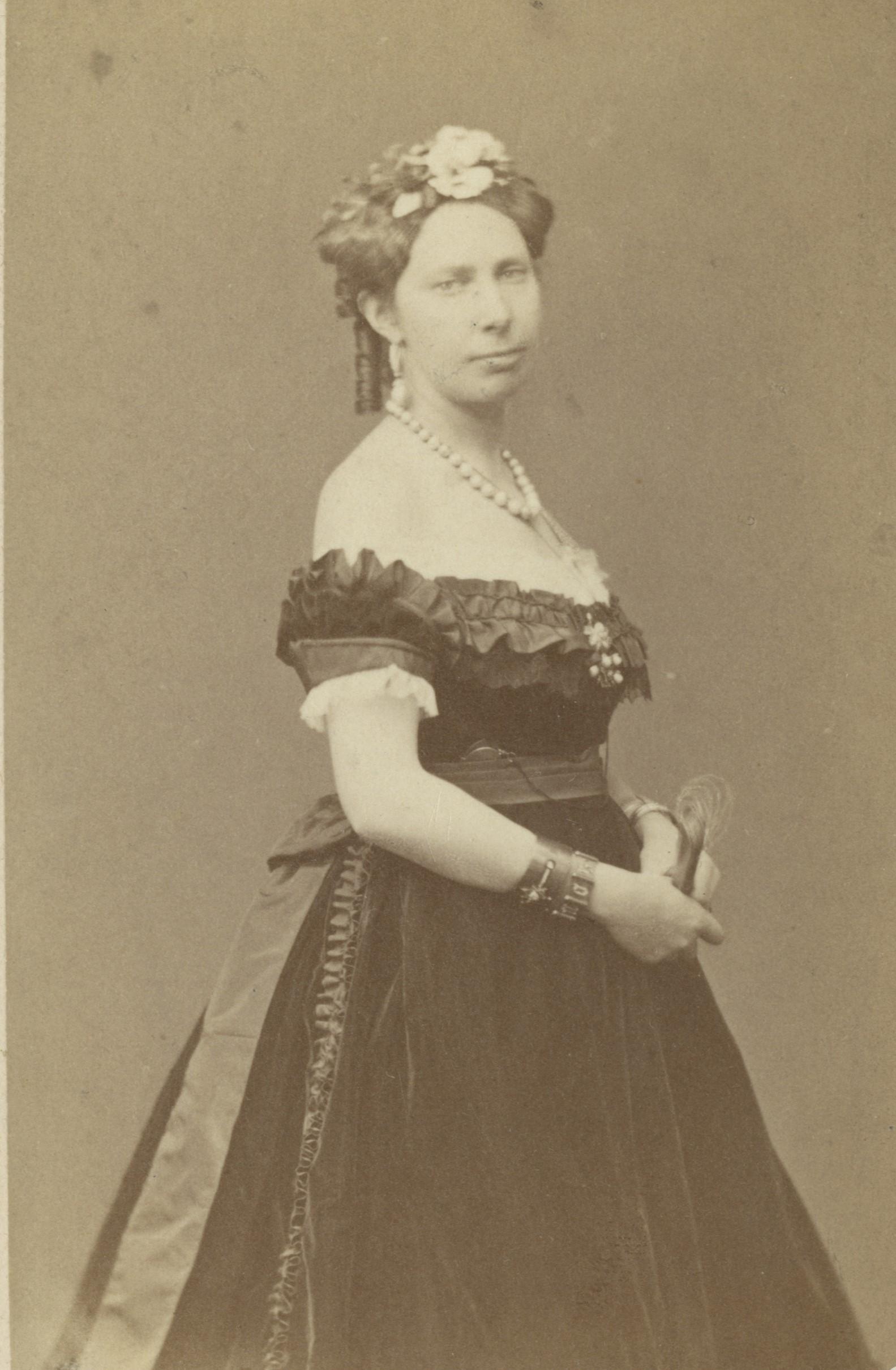 Queen Louise of Sweden and Norway, circa 1865-1871. Photo: Bertha Valerius (1824-1895). Armémuseum, AMA.0002231