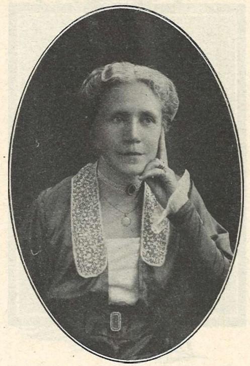 Lizinka Dyrssen in Idun nr 31, 1916. Photographer unknown (KvinnSam, Gothenburg University Library)
