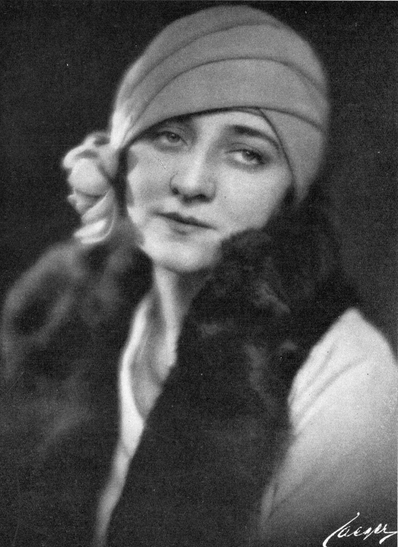 Alice Eklund i tidskriften Scenen, 1928. Foto: Atelier Jaeger (Wikimedia Commons)