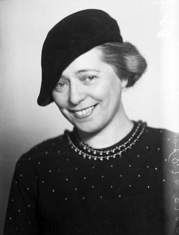 Elsa Gullberg, år okänt. Foto: Jan de Meyere (1879-1950). Stockholms stadsmuseum (JdM 755)