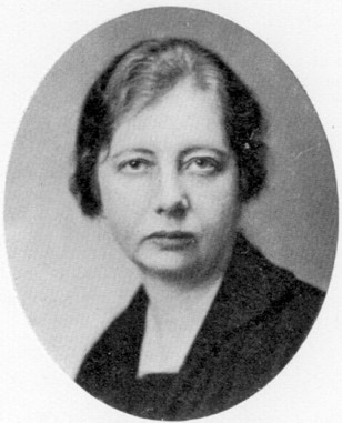 Greta Hedin. Photographer and year unknown. Image source: Svenskt Porträttarkiv (CC-BY-SA 4.0)