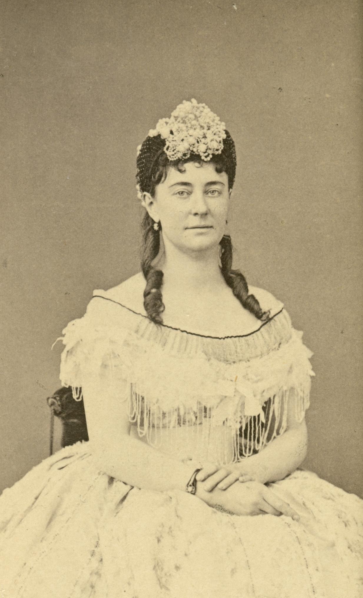Zelma Hedin as Laurence Duvernoy in The Royal Dramatic Theatre's production of Hyresgäst och husegare, 1865. Photo: Mathias Hansen (1823-1905). Musik- och teaterbiblioteket, Stockholm (H4_040)