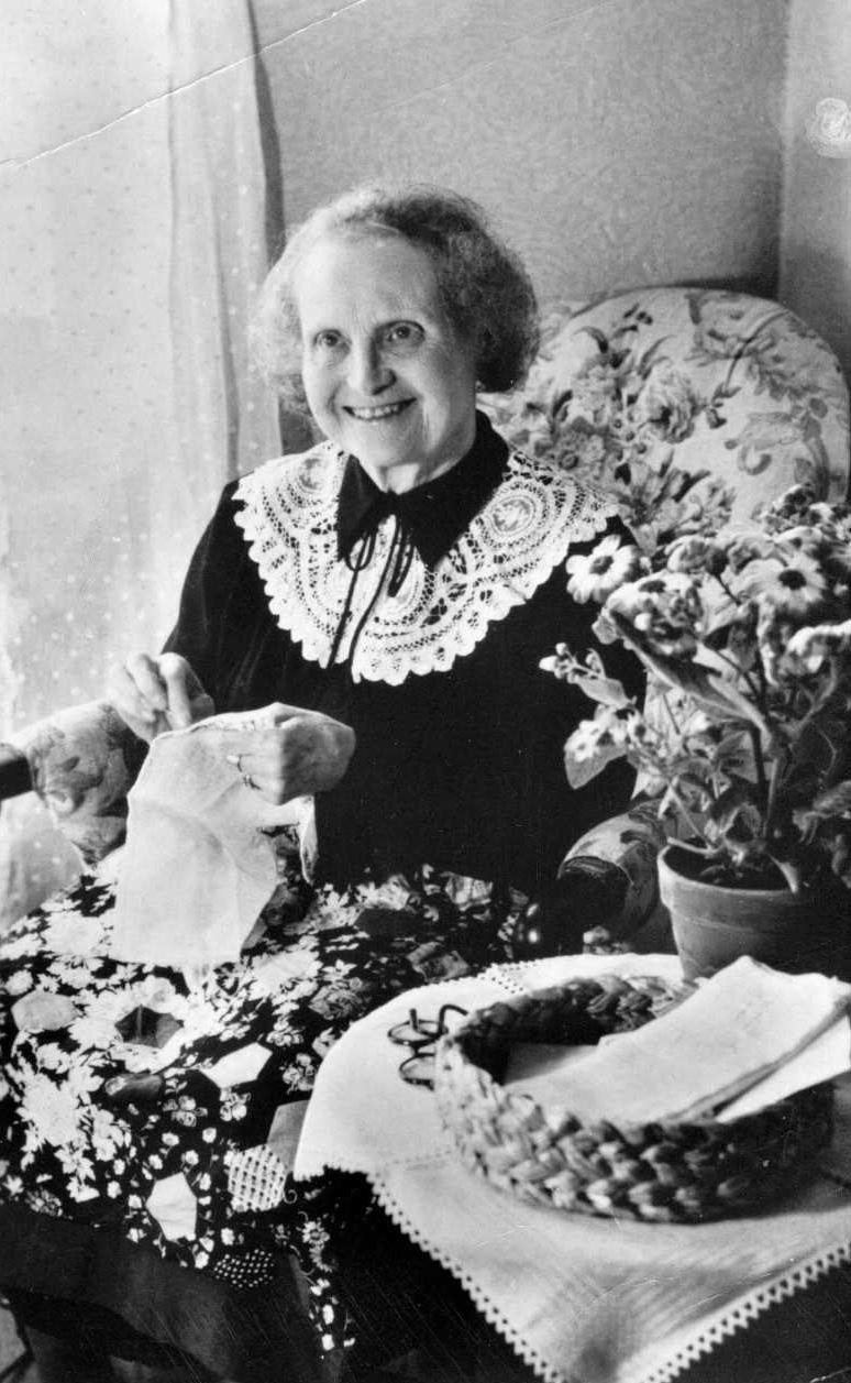 Greta Holmgren. Photographer and year unknown (Holmgrenska Släktföreningen)