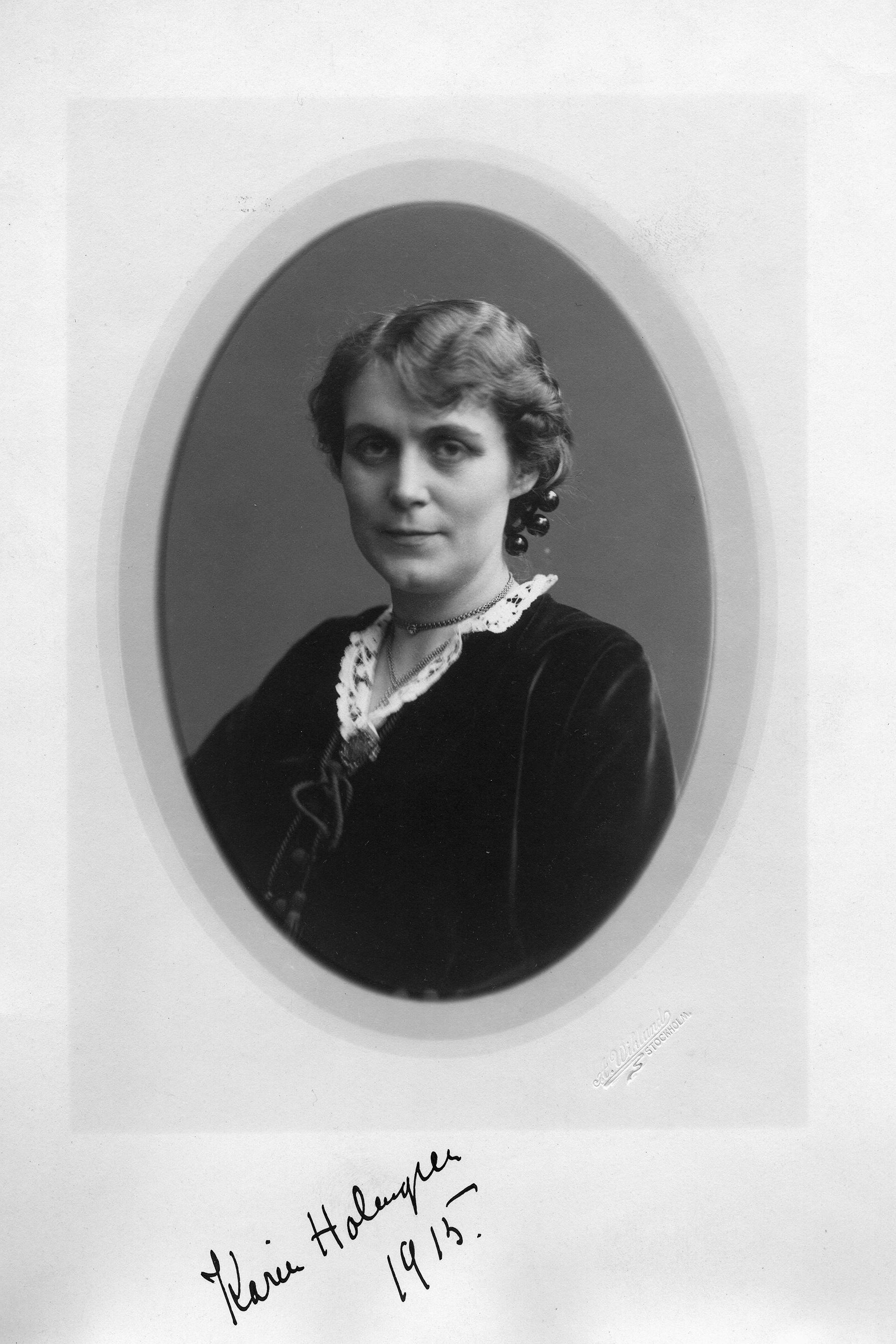 Karin Fjällbäck-Holmgren. Fotograf: Anders Wiklund, 1915