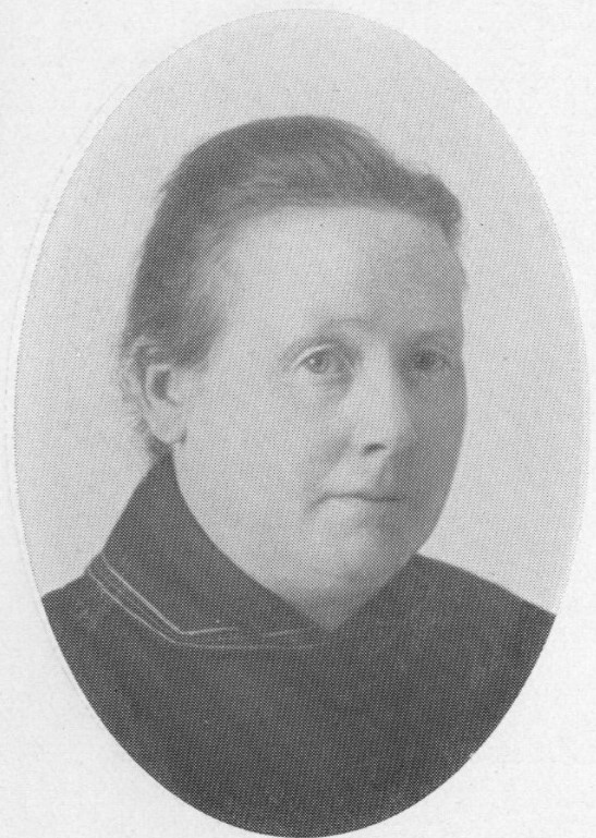 Ebba Hultqvist. Photographer and year unknown. Image source: Svenskt Porträttarkiv (CC-BY-NC-SA 4.0 – cropped)