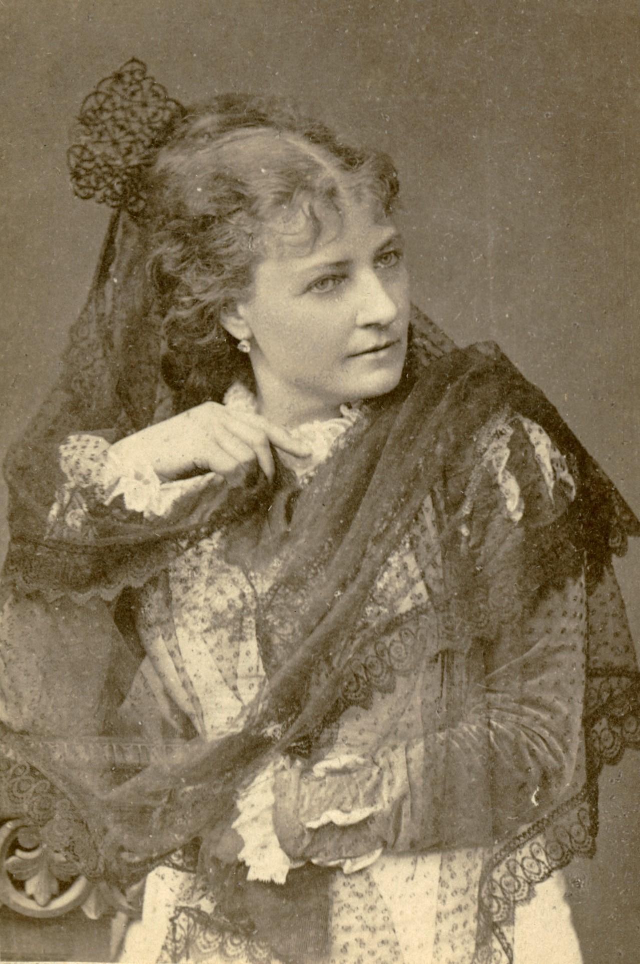 Elise Hwasser as Dolores in the Royal Teatre production of Allt för fosterlandet, 1878. Photo: Selma Jacobsson (1841-1899). Musik- och teaterbiblioteket, Stockholm, H4_145