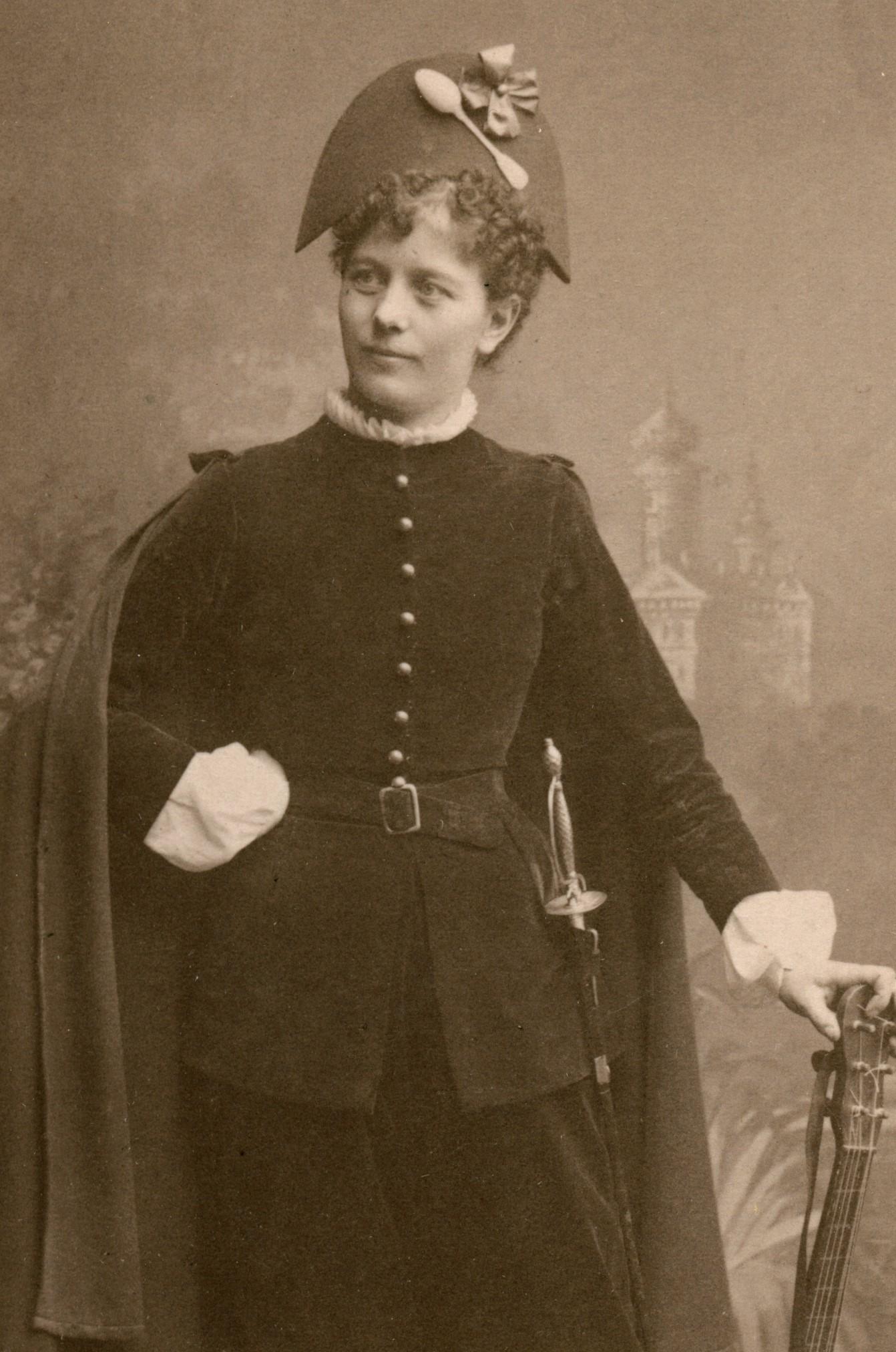 Anna Karlsohn in costume as Benito in the Royal Swedish Opera production of Spanska studenter, 1884. Photo: Gösta Florman (1831-1900). Musik- och teaterbiblioteket, H4_207