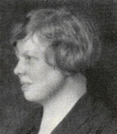 Elisabeth Krey-Lange avbildad i Publicistklubbens porträttmatrikel, 1936. Fotograf okänd. Bildkälla: Svenskt Porträttarkiv (CC-BY-NC-SA 4.0 – beskuren)