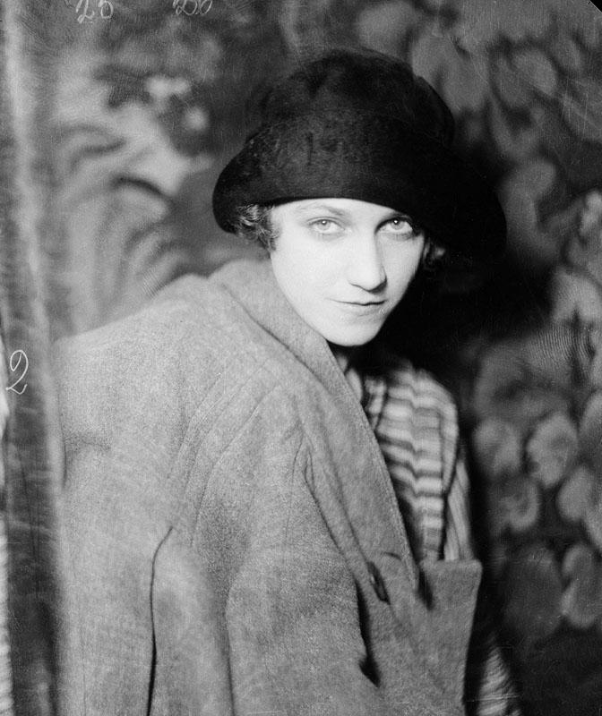 Anna Lindahl, år okänt. Foto: Jan de Meyere (1879-1950). Stockholms stadsmuseum (JdM 1547)