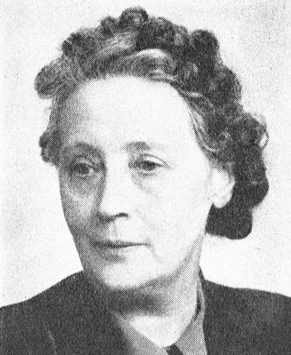 Ester Nilsson. Photographer and year unknown. Image source: Svenskt Porträttarkiv (CC-BY-NC-SA 4.0; cropped)