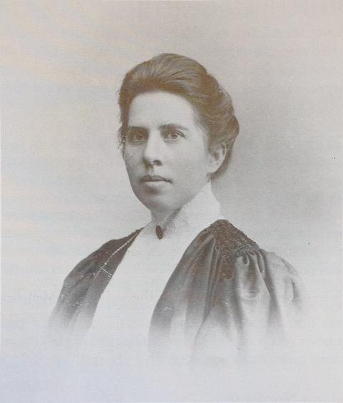 Portrait of Maria Nordenfelt in Hjärna händer – 100 års textil slöjd, University of Gothenburg, 1991. Photographer and year unknown. Bildkälla: Wikimedia Commons