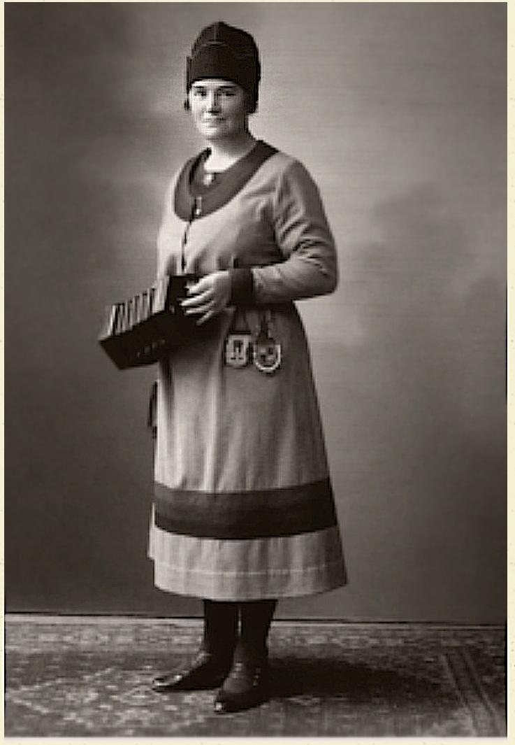 Anna-Lisa Öst, fotograf och år okänt. Bildkälla: Svenskt Porträttarkiv (CC-BY-SA 4.0)