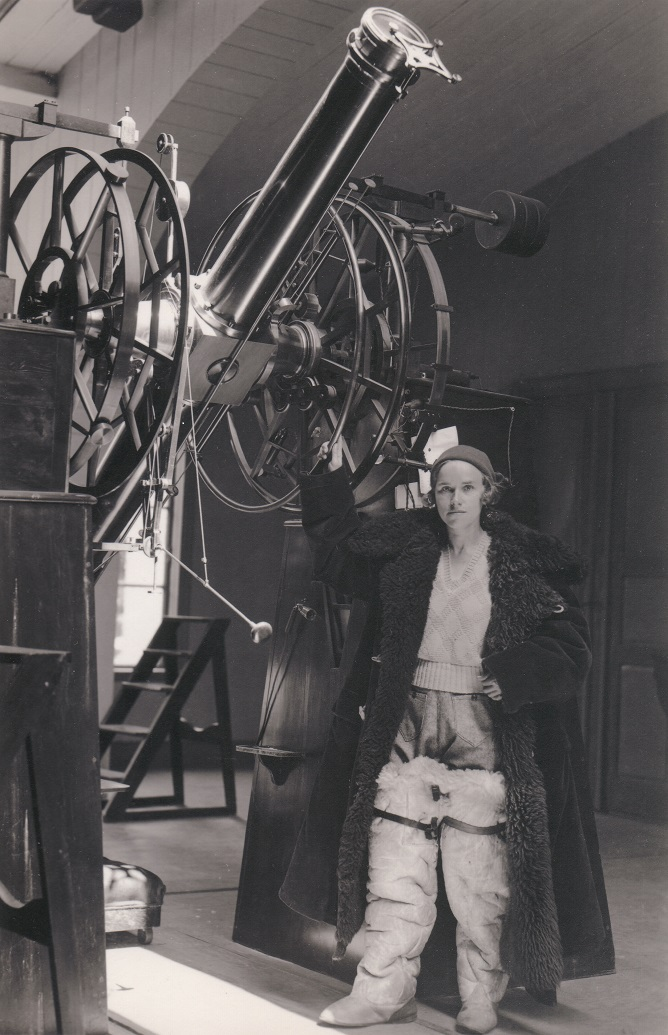 Frida Palmér, in protective clothing, at the meridian circle at Lund observatory, circa 1929. Photographer unknown (Lund University)