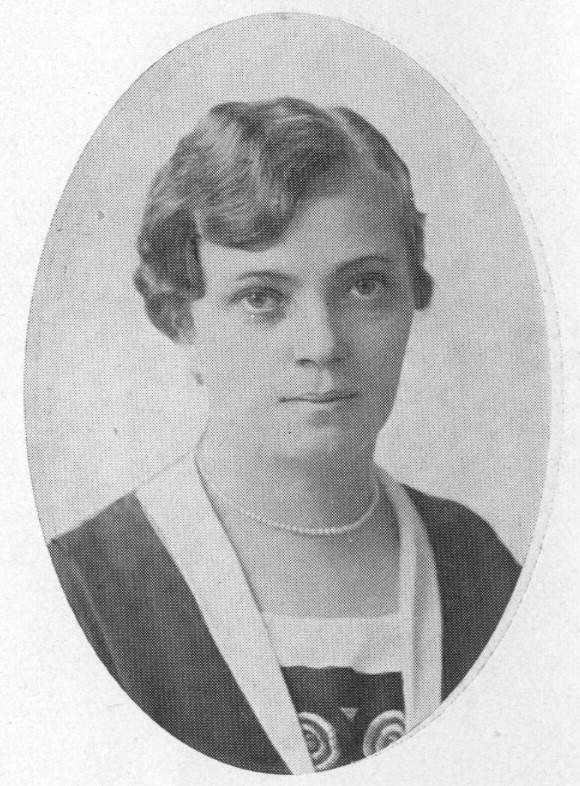 Elna Pehrsson. Fotograf och år okänt. Bildkälla: Svenskt Porträttarkiv (beskuren - CC BY-SA 4.0)