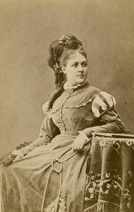 Louise Pyk in costume as Elvira in the Royal Swedish Opera's production of Don Juan, 1875. Photo: Mathias Hansen (1823-1905). Musik- och teaterbiblioteket, Stockholm (H7 007)