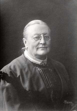 Maria Ribbing, date unknown. Photographer: Per Bagge. Image source: Svenskt Porträttarkiv (CC-BY-NC-SA 4.0)