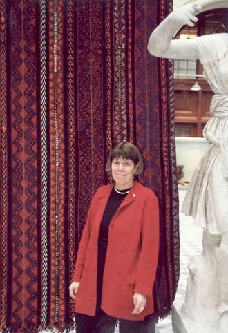 Christina Rinaldo presents Sweden's gift to Bibliotheca Alexandrina at Medelhavsmuseet, Stockholm, 2002. Photo: Ove Kaneberg. Medelhavsmuseet (091B/15A)