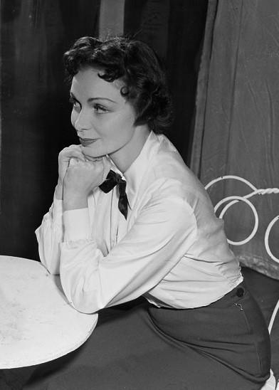 Ulla Sallert, 1953. Photo: Jan Ehnemark (cropped). Stockholms City Museum, SvD 21106