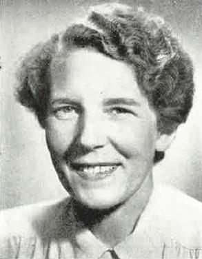 """Gerd Schalling i Hofvander, Inga: """"De kvinnliga juristerna"""" i Svensk yrkeskvinna, Göteborg, 1950. Fotograf okänd"""