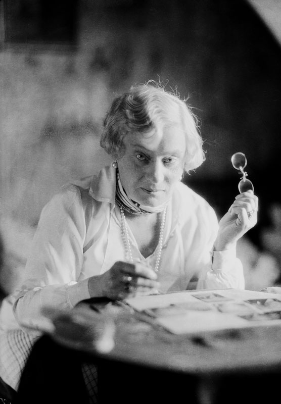 Alma Söderhjelm, year unknown. Photo: Jan de Meyere (1879-1950). Stockholm City Museum (JdM 2433)