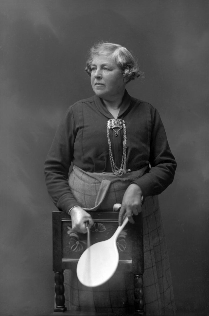 Gerda Söderlund. Självporträtt, år okänt. Leksands lokalhistoriska arkiv ©