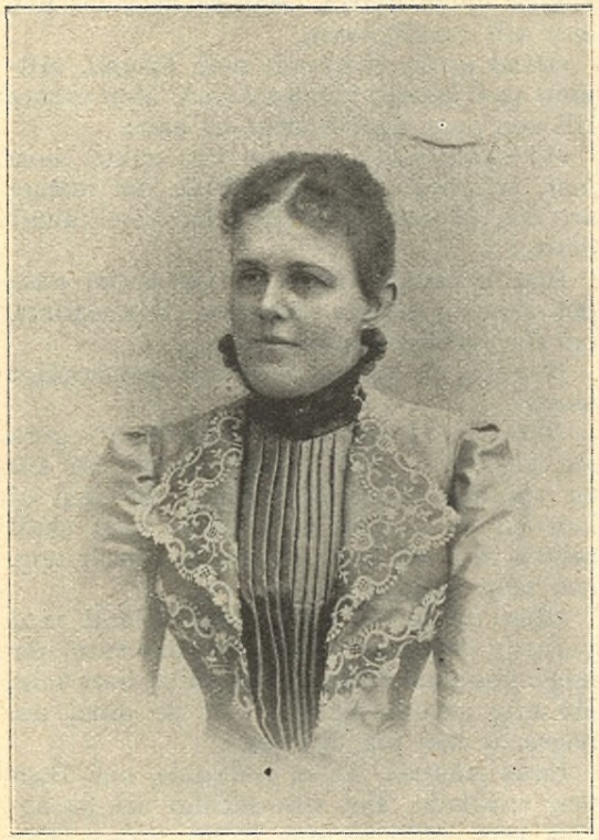 Stina Swartling in Idun nr 15, 1900. Photo: E. Sundewall (Gothenburg University Library)