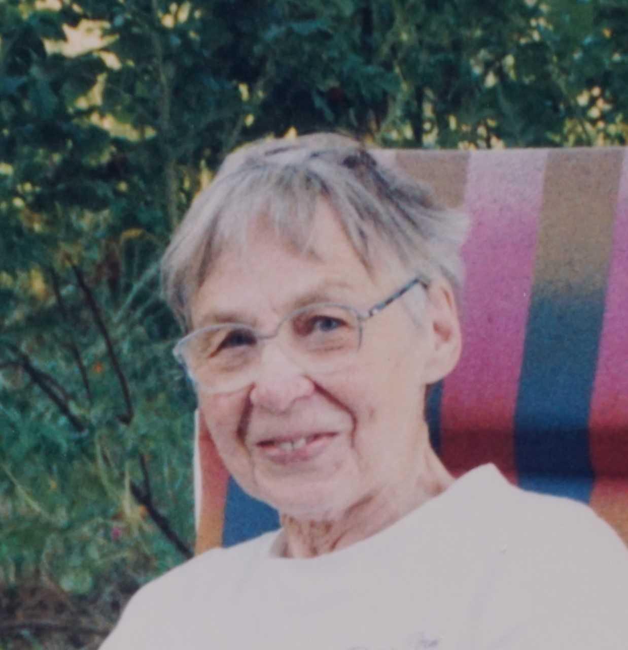 Britta Tingdal. Fotograf och år okänt (bild i privat ägo)
