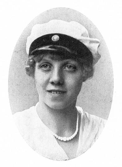 Aida Törnell som student, cirka 1919. Fotograf okänd. Bildkälla: Svenskt porträttarkiv (CC-BY-NC-SA 4.0)