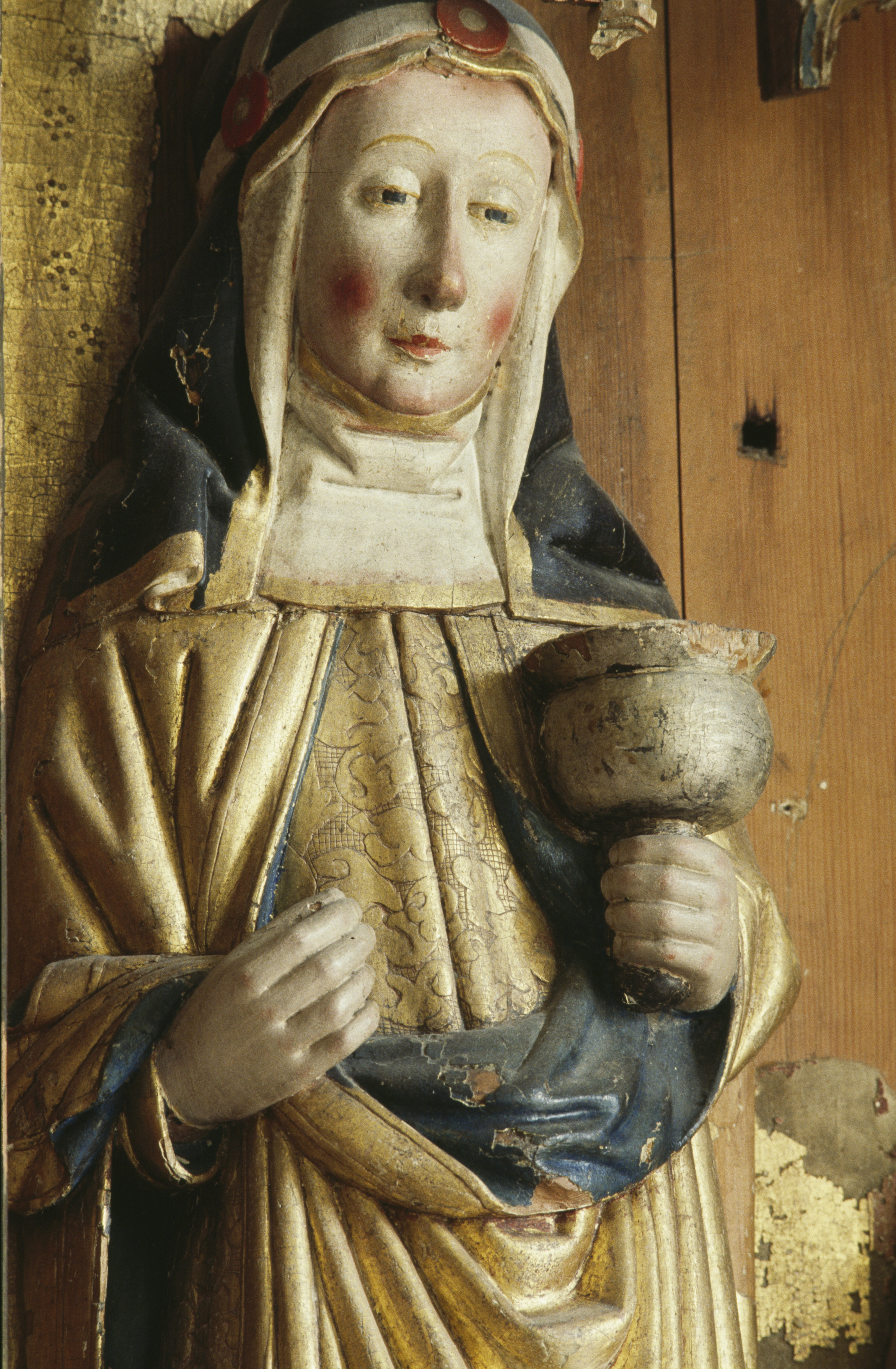 Sculpture depicting Katarina Ulfsdotter, early 1500s. Detail of altar screen in Trönö old church by unknown artist. Photo: Lennart Karlsson. Historiska museet (9004530)