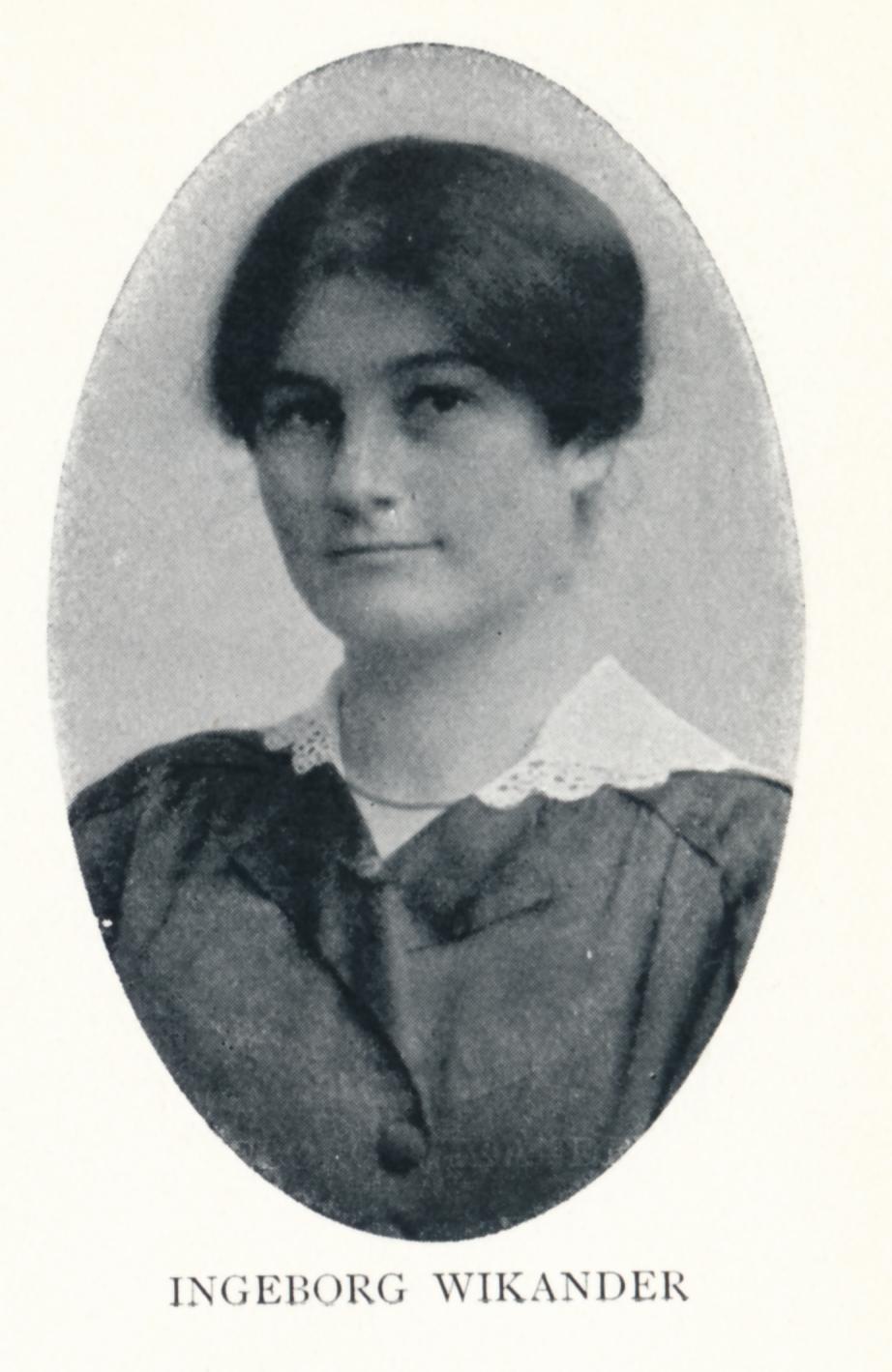 Ingeborg Wikander avbildad i Svenska kyrkans missionsarbetare 1876-1916. Fotograf och år okända. Bildkälla: Svenskt Porträttarkiv (CC-BY-SA 4.0)