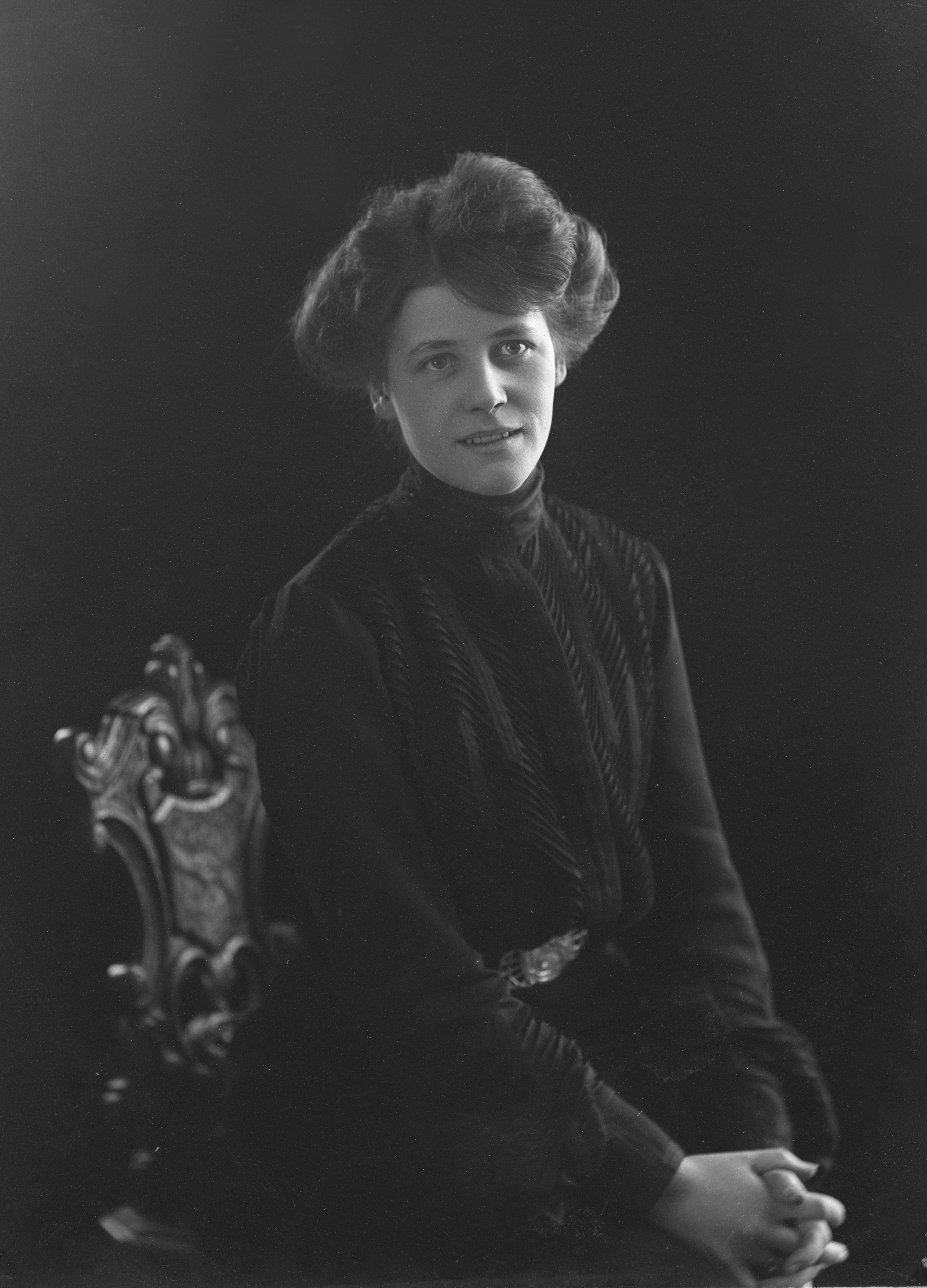 Frida Winnerstrand, 1905. Foto: Anton Blomberg (1862-1936). Musik- och teaterbiblioteket, NV120