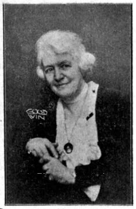 Louise Woods-Beckman i Tidevarvet nr 32, 1932. Fotograf okänd (KvinnSam, Göteborgs universitetsbibliotek)